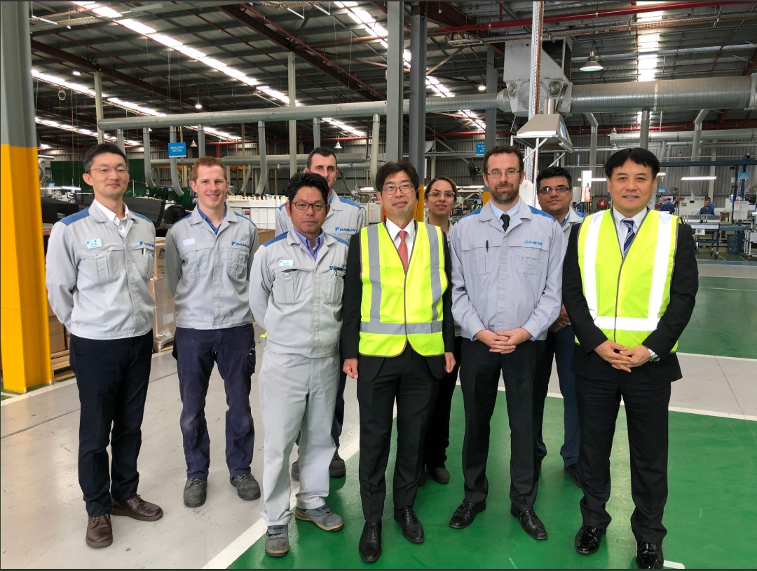 Consul-General Kiya Masahiko with Daikin Australia team 2019