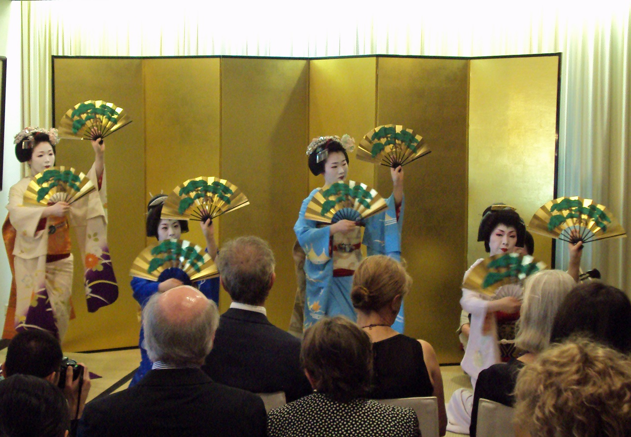 An evening with Geiko and Maiko from Gion, Kyoto 5
